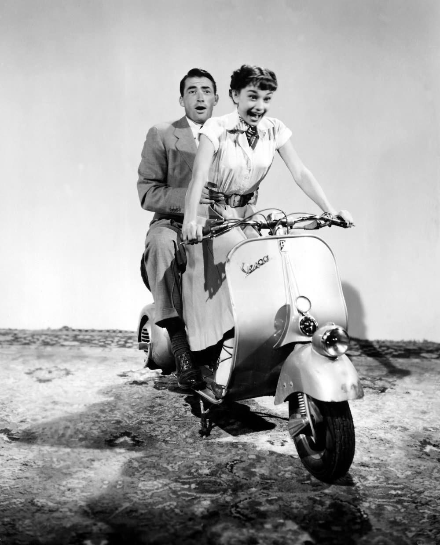 Vacances Romaines Roman Holiday avec Audrey Hepburn et Gregory Peck 1953 scooter vespa